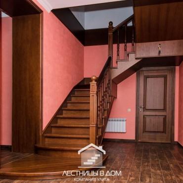 Металлическая лестница с отделкой из дуба г. Электросталь