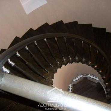 Винтовая бетонная лестница обшитая дубом, Орехово-Зуево