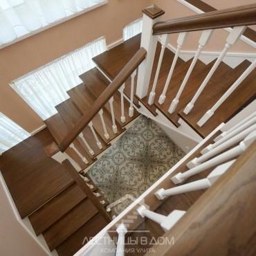 Деревянная лестница на металлокаркасе, Павловский Посад
