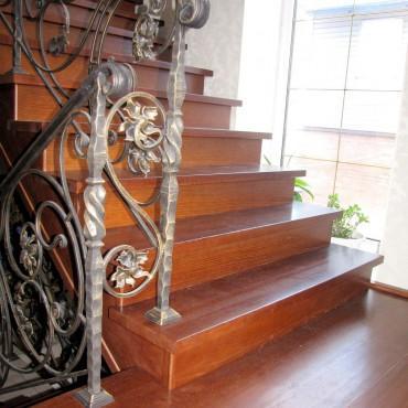 Кованая лестница на второй этаж г. Павловский Посад