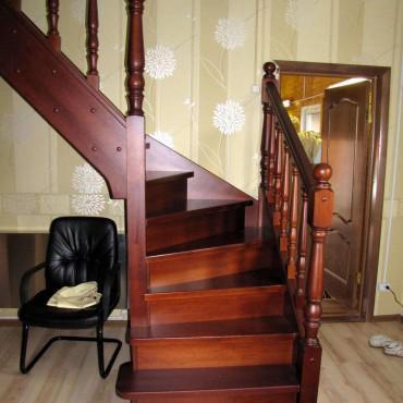 Сосновая лестница с забежными ступенями г. Владимир