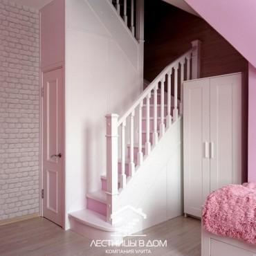 Белая лестница с розовыми подступенками, г. Орехово-Зуево