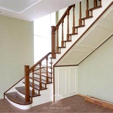 Деревянная лестница на металлическом каркасе с дверцами, г. Щелково